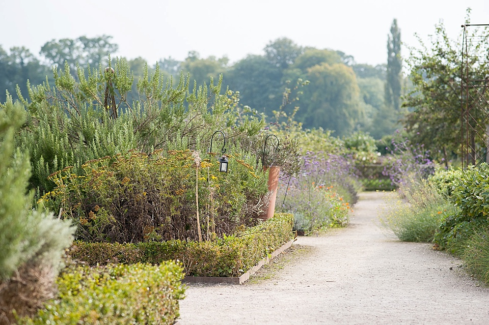 Beautiful gardens at the Walled Garden at Cowdray - Sussex nature photographer © Fiona Kelly photography