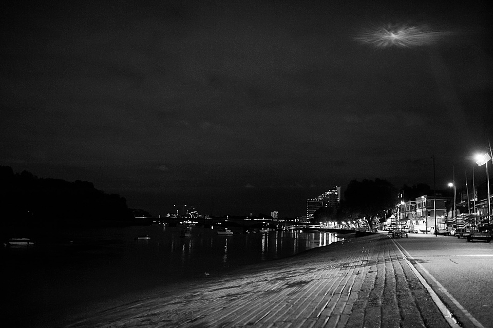 at night on the river thames