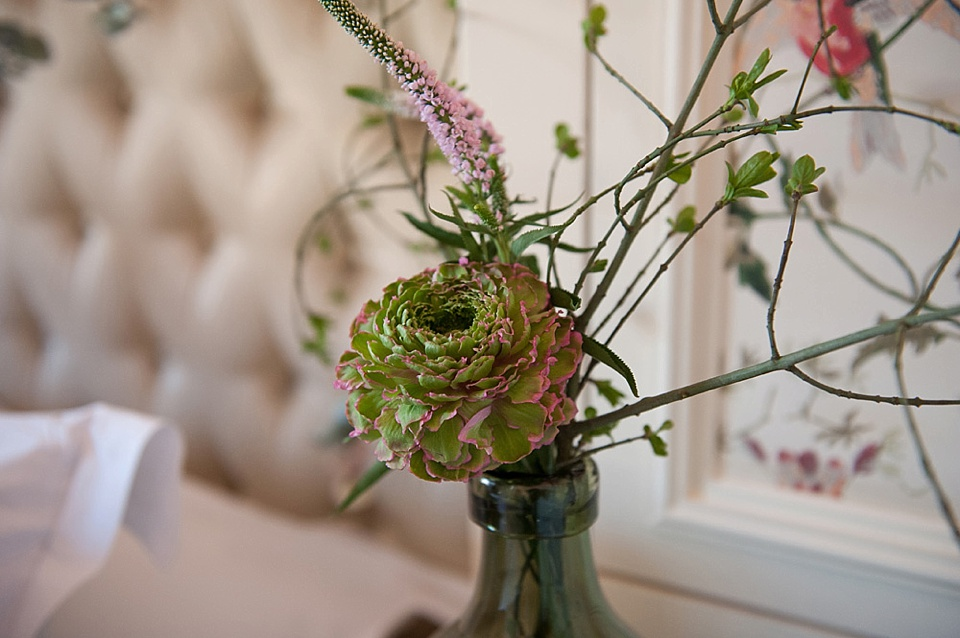 Green ranunculous flowers by Indeco Flowers at The George in Rye Kent editorial photography © Fiona Kelly Photography