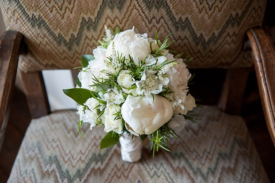 brides bouquet-classic white and green_0016