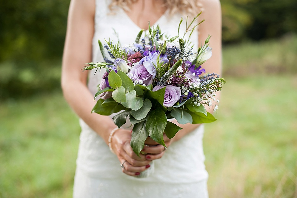 brides bouquet with pink purple and lilac colours_0012