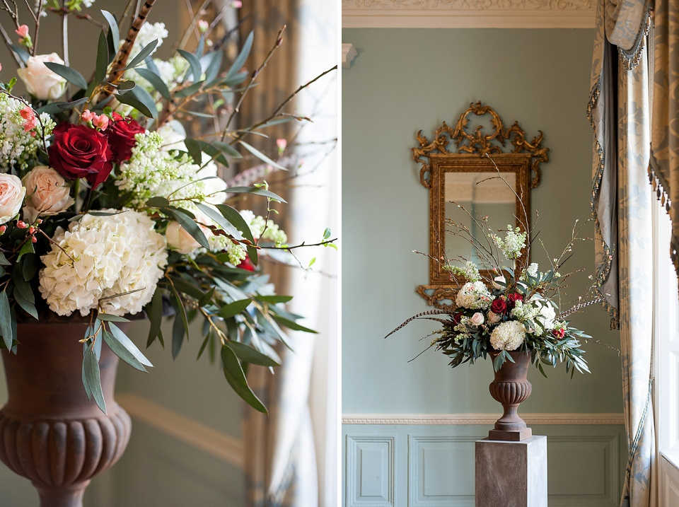 dramatic and elegant floral arrangement for winter wedding_0033