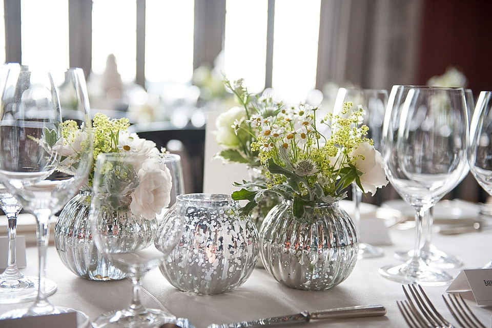 elegant mix matched white and green flowers in silver vases_0017