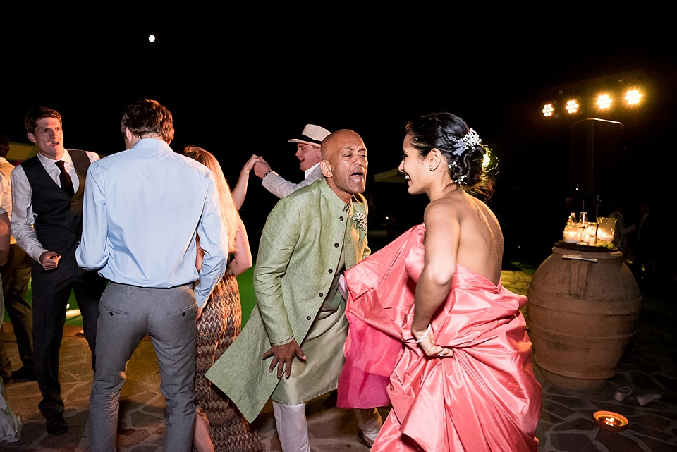 310 Bride-in-pink-dancing