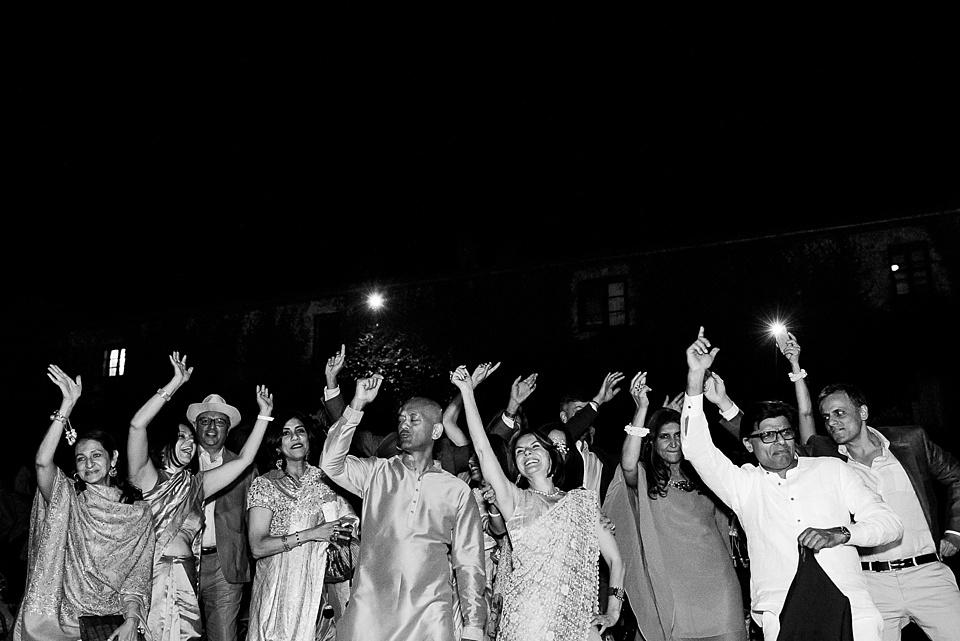 322 Indian-wedding-dancing