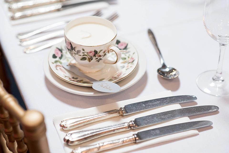 100 Vintage china setting Woodman pub reception