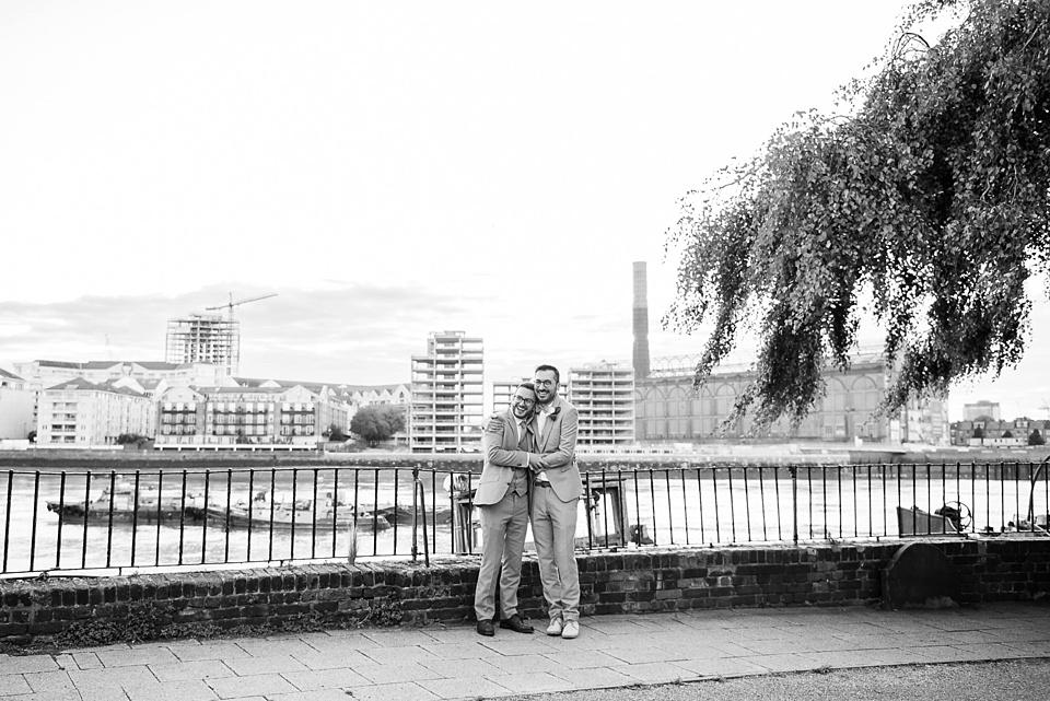 170 London wedding portrait by Thames