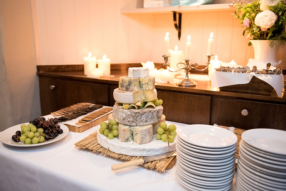 178 Cheese wedding cake
