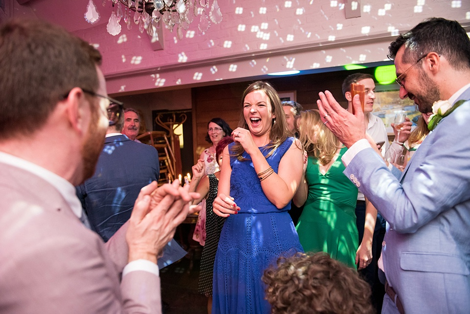 191 Capturing moments London wedding reception
