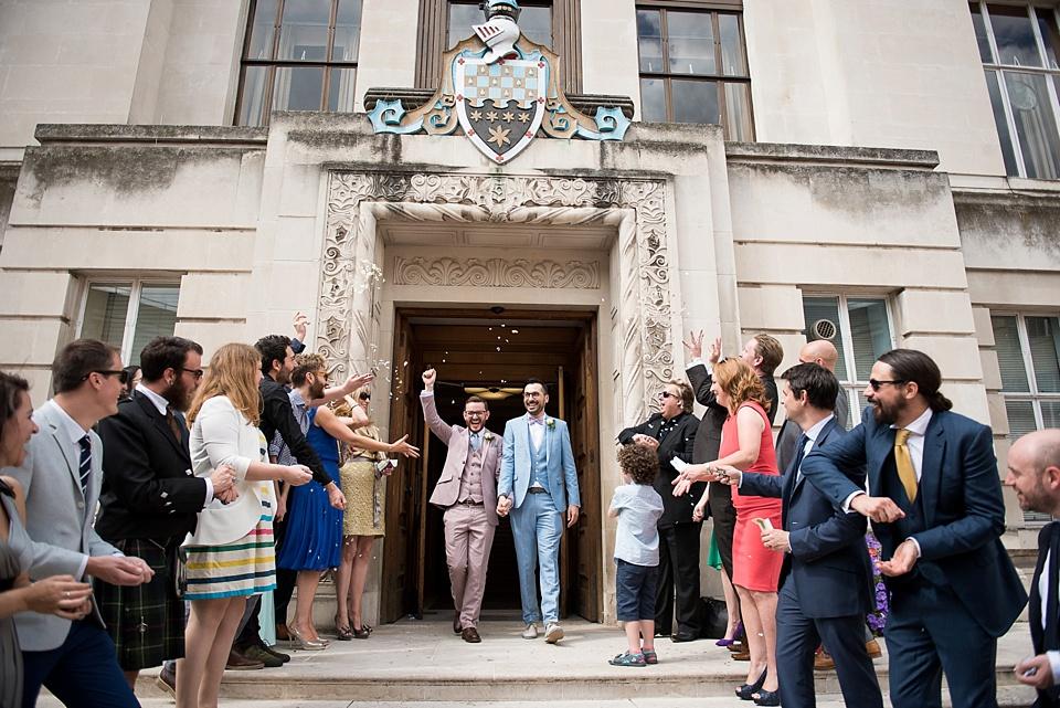 34 Wandsworth Town Hall wedding confetti
