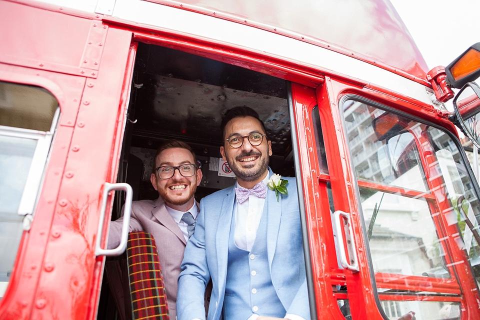 49 Cute London wedding portrait on bus