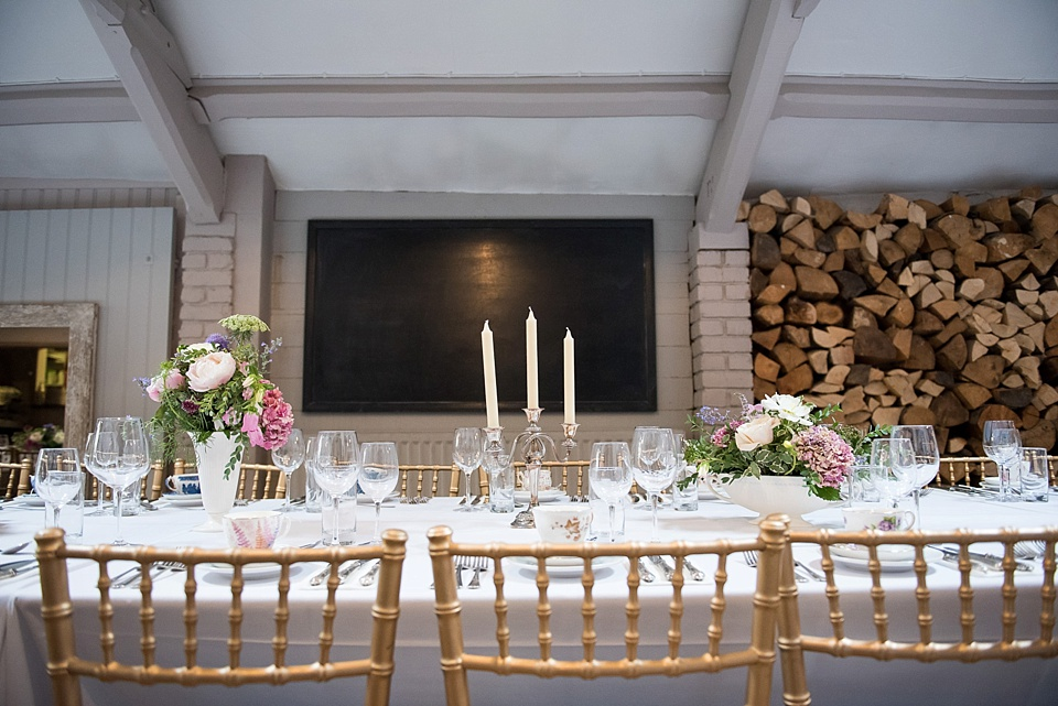 99 London wedding table set flowers