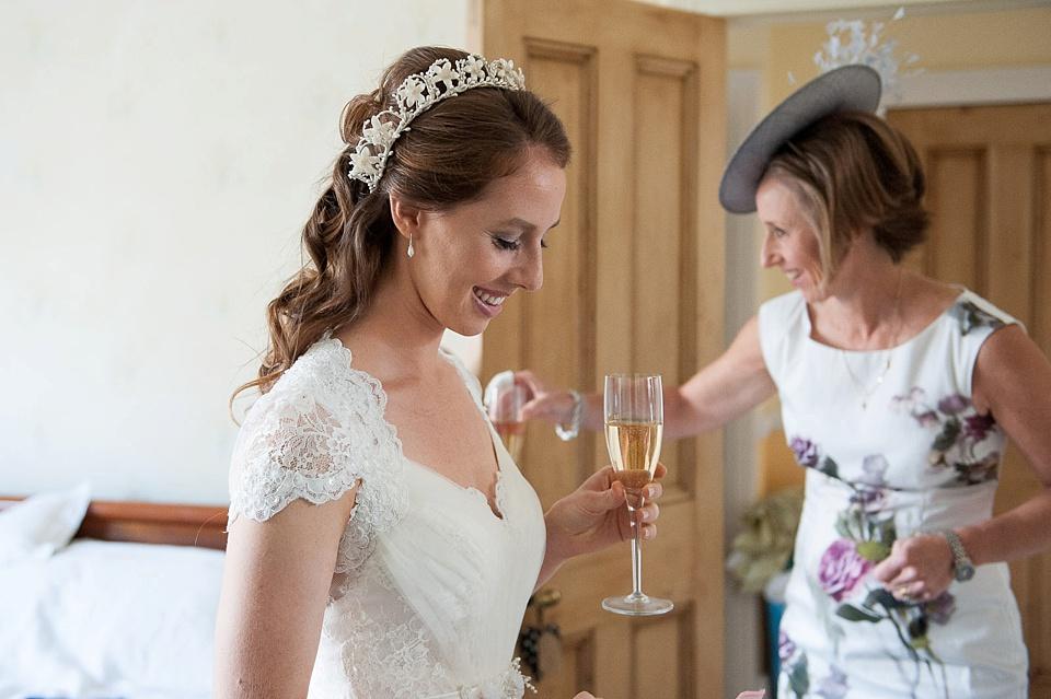 bridal prep-london wedding-fiona kelly photography_0037