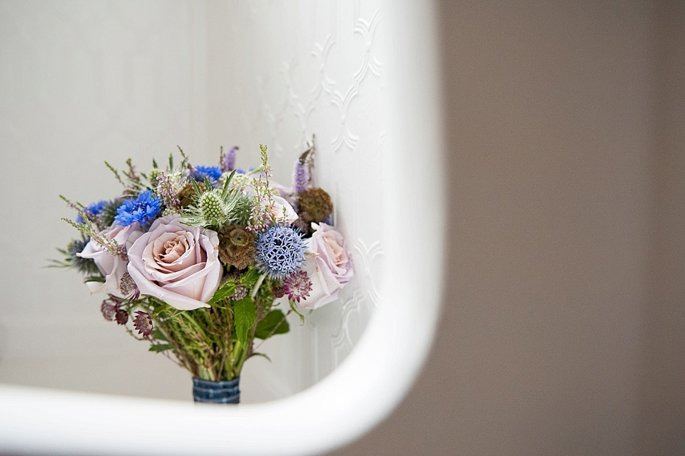 bridal prep-wedding flowers-fiona kelly photography_0007