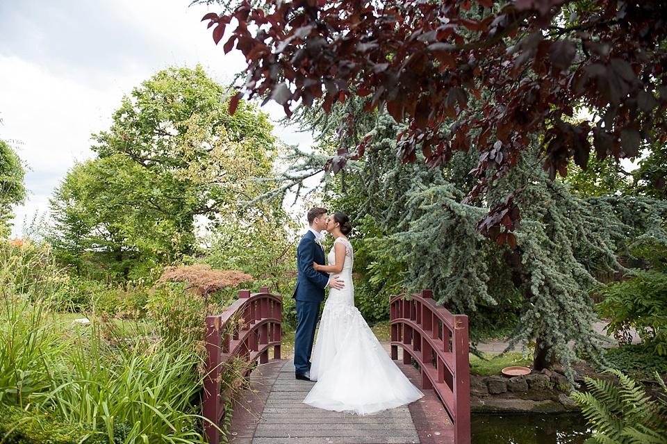 Kensington Roof Gardens wedding portrait