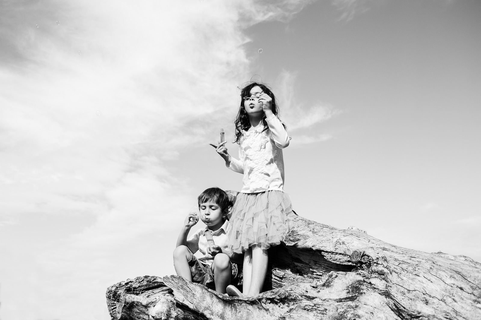 Natural relaxed family photography style